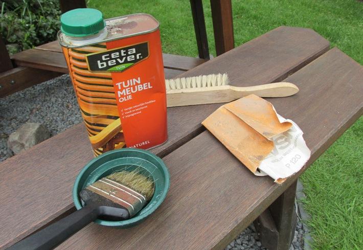 Onderhoud Houten Tuinstoelen.Houten Tuinmeubelen Verzorgen Met Olie