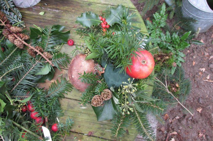 Groot kerststuk maken #2 – kleur aanbrengen