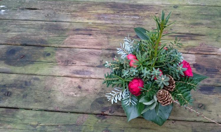 Een klein kerststuk maken