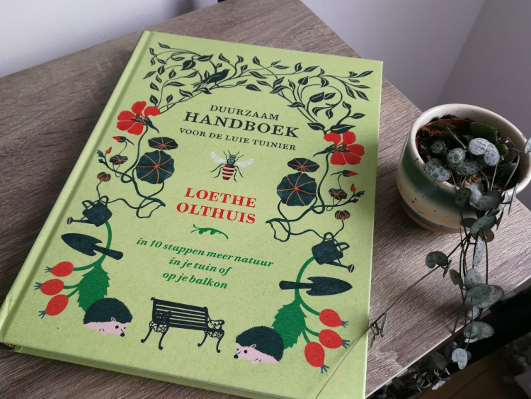 Duurzaam handboek luie tuinier Loethe Olthuis