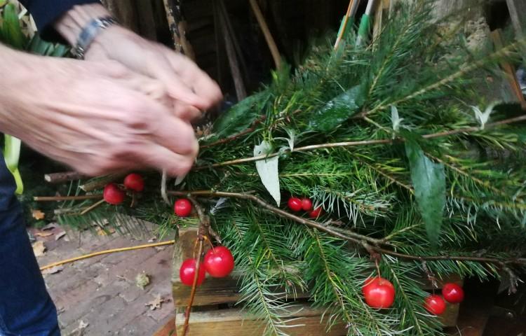handboeket kerststuk maken