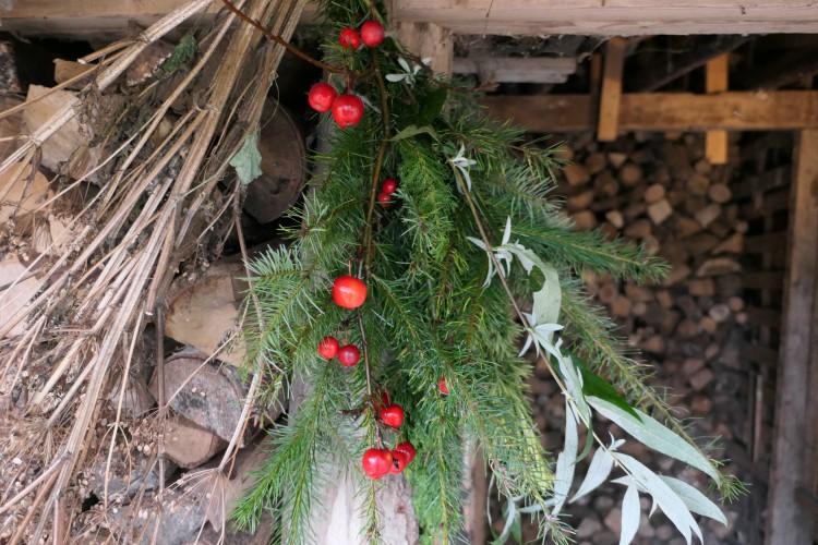 hangend kerststuk houthok2